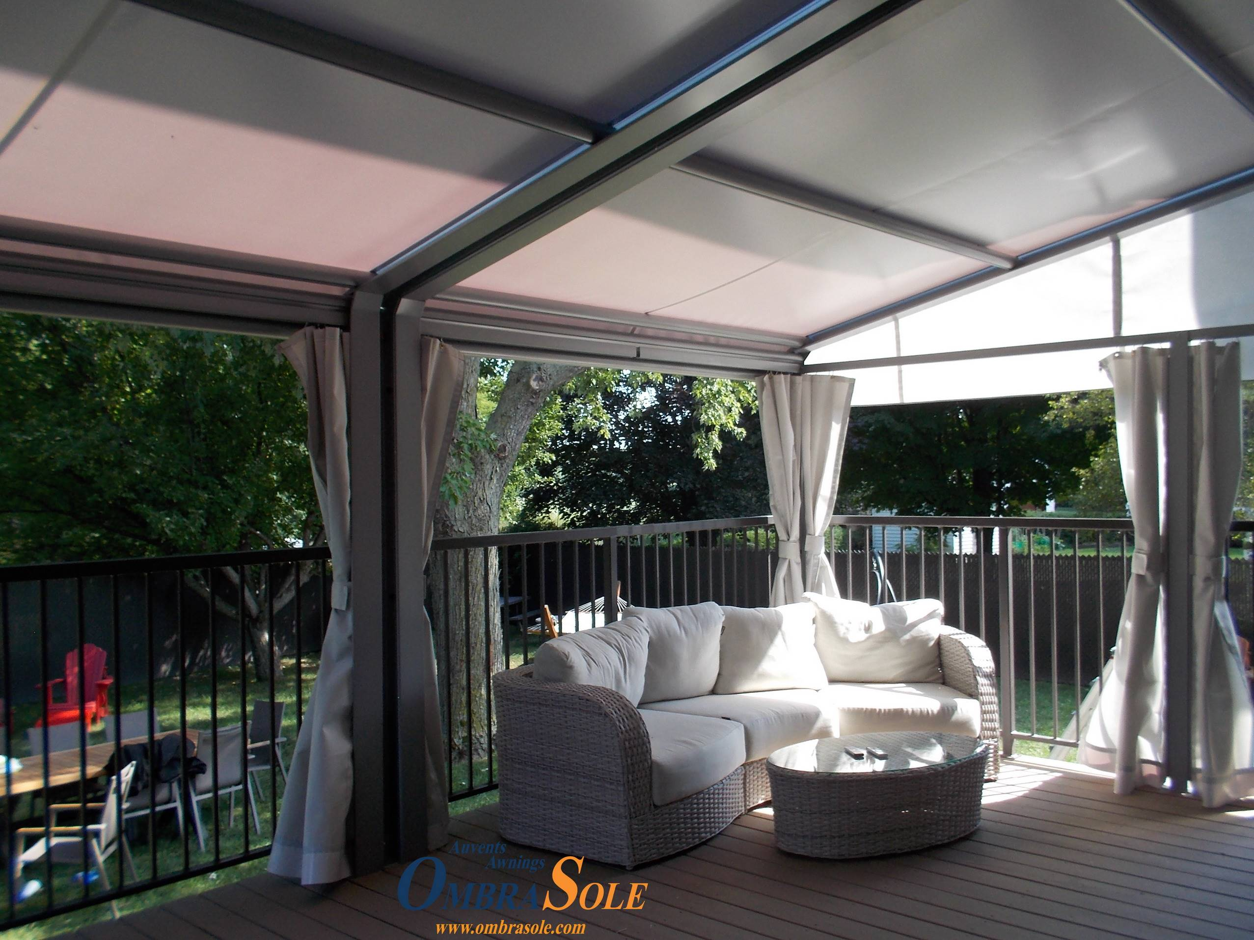 Awning fabrics: choosing the best canvas for your outdoor space